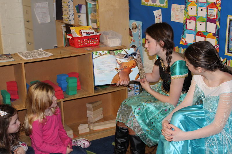 Campbell students read to Preschool students